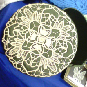 Romanian Point Box Lid – mix of Crochet & Needle Lace
