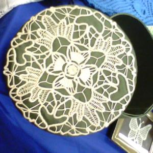 Romanian Point Box Lid – mix of Crochet & Needle Lace